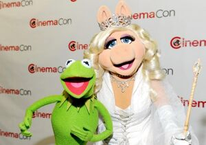 KermitPiggyCinemaCon2012.jpg