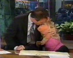 Kiss Piggy Lauer 2002