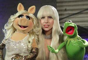 Gaga-Piggy-Kermit.jpg