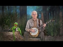 """Steve Martin and Kermit the Frog in """"Dueling Banjos"""""""