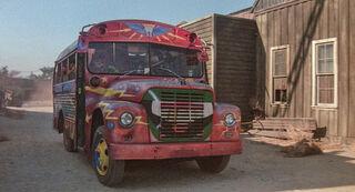 EM bus TMM front