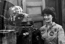 Sally Ride Grundgetta trashcan