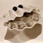 BEACH PARTY clam