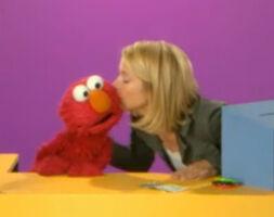 Kiss Elmo Christina Applegate