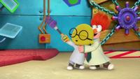 MuppetBabies-(2018)-S03E06-GonzosBubbleTrouble-BunsenAndBeaker-OffWeGo