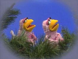 2824 Elmo Can Fly