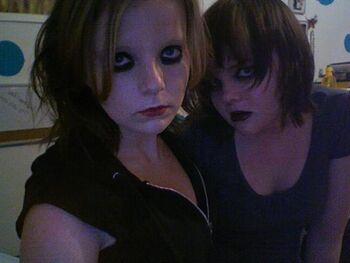 A photo misattributed to Tara and Raven.