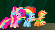 Pinkie Pie , Rainbow Dash et Applejack rainbow power