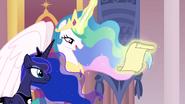 Générique (Celestia et Luna regardent le photo)