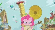 Pinkie Pie et ses instruments S1E10