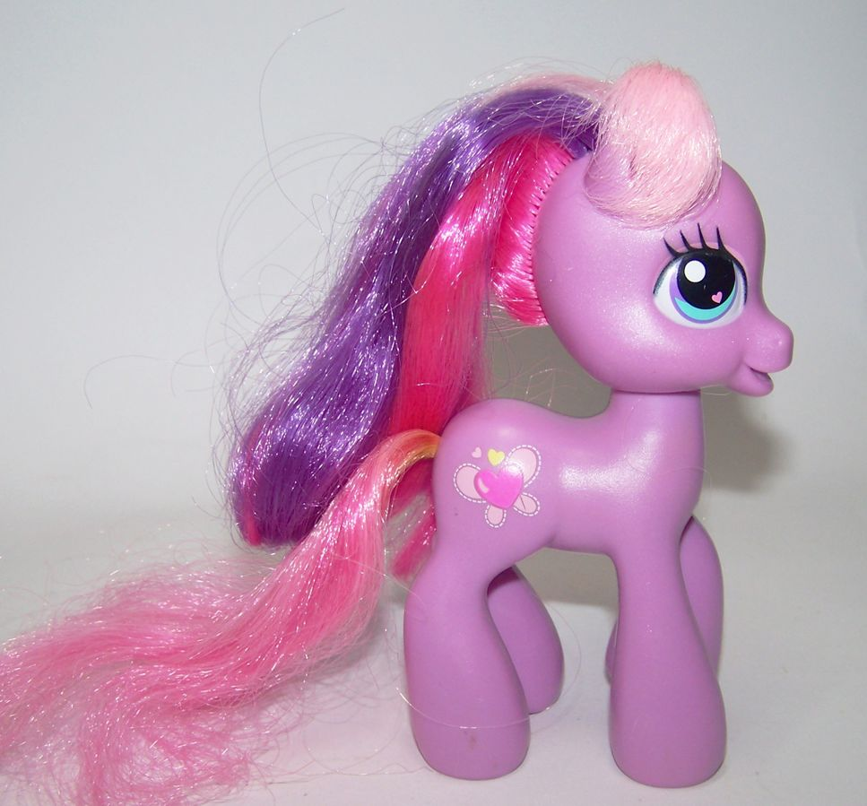 Mom Cheerilee Scootaloo My Little Pony G3 Wiki Fandom According to lauren faust, scootaloo was originally conceived as getting in a lot of schoolyard fights over being. mom cheerilee scootaloo my little