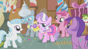 300px-Tiara Getting Attention S1E12.png