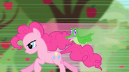 Pinkie running S1E25
