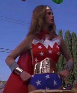 Powerwoman 2-1-.jpg