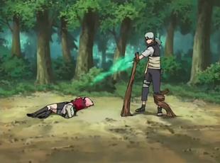 Kabuto curando a uma distância considerável, porém curta.