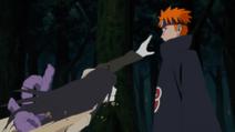 Pain reclutando a Orochimaru