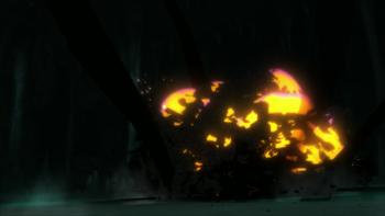 Ambos usam novamente o Amaterasu, que contém a explosão…