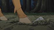 Rikumaru desenterra o isqueiro de Asuma