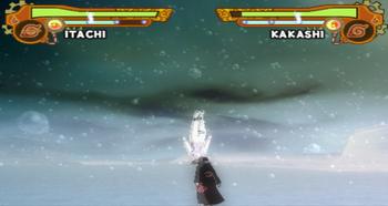 Enquanto o oponente cai, Itachi aproxima-se…