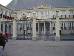 Palais de la reine- den haag-la haye.JPG