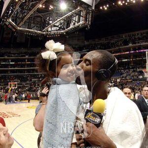 Kobe Bryant kiss Natalia.jpg