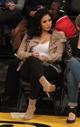 Vanessa-Bryant-at-the-Lakers-Game--01-662x1051