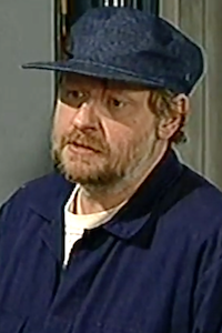 Jakke Portret S06.png