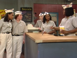 Good Burger employees in the sketch.png