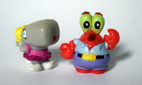 Spongebob-Pearl-and-Mr-Krabs-toy-figure-set