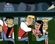 Dash and Paulina on The Bus