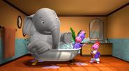 The Backyardigans Elephant on the Run Uniqua Austin