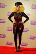 2012 VMAs carpet 1