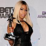 Nicki wins BET Awards 2013.png