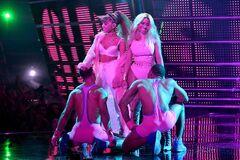 2016 VMAs performance 4