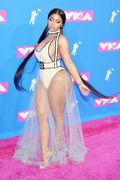 2018 VMAs carpet 2