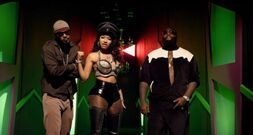 Nicki-minaj-i-am-your-leader-video-608x324