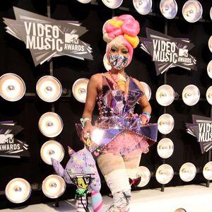 2011 VMAs carpet 1.jpg
