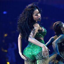 2014 VMAs Anaconda performance 5.jpg