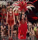 2015 VMAs performance 4