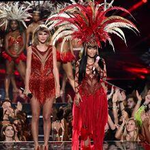 2015 VMAs performance 4.jpg
