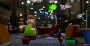 Скример догоняет Шегги и Скуби (LEGO Dimensions)