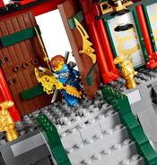 70728 Battle for Ninjago City 18