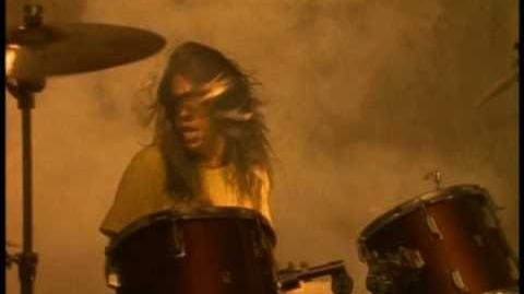 Nirvana_-_Smells_Like_Teen_Spirit