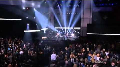 No_Doubt_-_Looking_Hot_Live_AMAS_2012