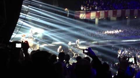 No_Doubt_Looking_Hot_Live_MTV_EMA_2012