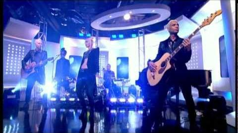 No_Doubt_-_Settle_Down_acoustic_(ITV1_This_Morning,_2012)