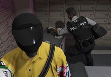 Xyuno making aj rob the bank