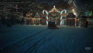 NOS4A2-Caps-1x07-Scissors-for-the-Drifter-01-Christmasland