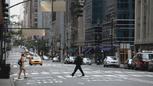 2x01 New York chaussée passage piéton Neal Cassidy.png