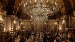 6x02 France du 19ème XIXème siècle lustre voûte réception fête.png